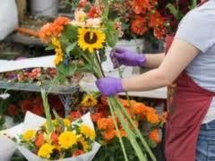 Comerciantii de flori s-au luat la harta cu politia si reprezentantii Primariei