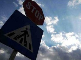 Zeci de indicatoare rutiere au fost furate în sudul țării