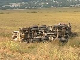 Doua camioane cu beton s-au rasturnat dupa ce s-au ciocnit linga Orhei