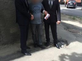 Un JURNALIST din Chisinau, RETINUT de politie