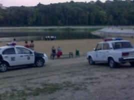 """O nouă tragedie la scăldat. Un bărbat de 50 de ani s-a înecat în lacul """"Valea Morilor"""""""