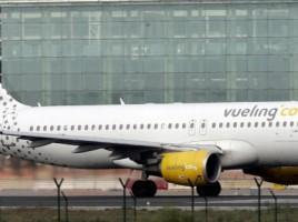 Un avion a luat foc la aterizarea pe aeroportul din Florenta, Italia. Care este starea celor 121 de pasageri