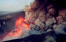 VARSĂ FOC ŞI PARĂ! Vulcanul Bardarbunga, filmat de la înălţimea zborului de pasăre în timpul erupţiei