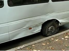 Accident cu implicarea unui microbuz de ruta, in centrul capitalei. Cinci pasageri, raniti