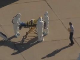 """Un barbat din Statele Unite s-a expus virusului Ebola avand drept """"protectie"""" doar o mapa."""