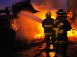 Incendiul de pe Albisoara a mistuit 4 constructii de lemn