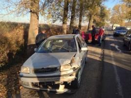 Carambol in raionul Straseni. Trei masini s-au ciocnit, iar una a ajuns in sant. Cum s-a produs accidentul.