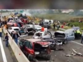 Accident groaznic in Grecia: Cinci persoane au murit, iar alte 30, ranite: Unul dintre soferi, un roman, acuzat de omor