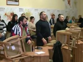 Curtea de Apel a decis! Poliţia are mână liberă să evacueze forţat refugiaţii de la Primărie