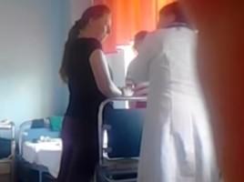 camera ascunsa - un medic cerea bani centru mamei si copilului