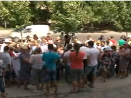 Protest la Procuratura Generală: Un grup de oameni cer eliberarea lui Valeriu Stoianov