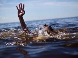 LUn copil de 4 ani s-a INECAT intr-un lac din satul Recea.