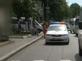 Un baietel a fost lovit de un microbuz de ruta 125 pe o strada din capitala