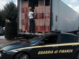 Retinere in Italia - un tir moldovenesc cu tigari de 1 milion de euro