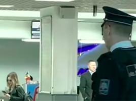 Trei ruşi, EXPULZAŢI din Moldova chiar la aeroport