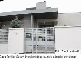 Contracte in familie si case de lux la MOLDOVAGAZ