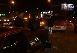 accident in lant pe bul. Dacia