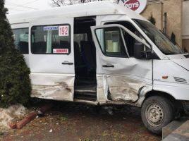 Acciden cu implicarea microbuzelor de ruta