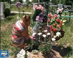 Familia fetei de 14 ani, omorita, din Straseni e terorizata