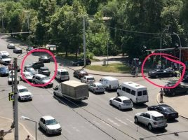 2 accidente concomitente la aceiasi intersectie