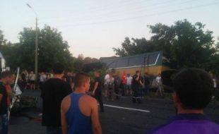 Accident grav in cernauti. 54 de moldoveni raniti. Un sofer a decedat