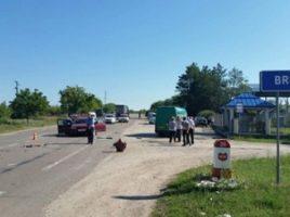 Grav accident la Briceni cu implicarea unui microbuz