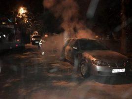 Un Nissan, un Hyundai si o Toyota - incendiate la doua parcari din Chisinua