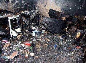 3 copiii au ars de vii in casa. parintii erau ocupati cu treburile casnice
