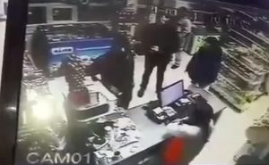 O femeie a fost agresata la statia PECO din Floresti, unde lucra